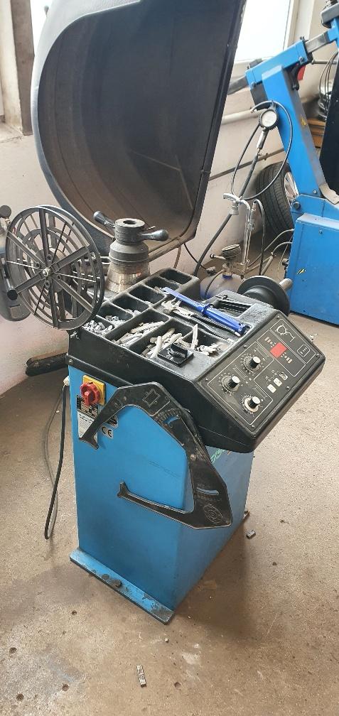 Beissbarth Reifenmontier- & Wuchtmaschine, MS63 &  MT510M
